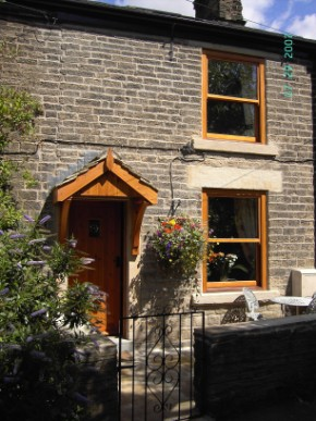Brook Holiday Cottage, Little Hayfield, High Peak UK